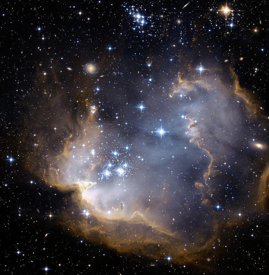 922px-NGC602