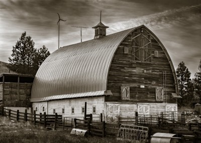 Kammerzell Barn East of Colfax