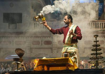 Varanasi Aarti Priest Rotating Brass Pot Clockwise